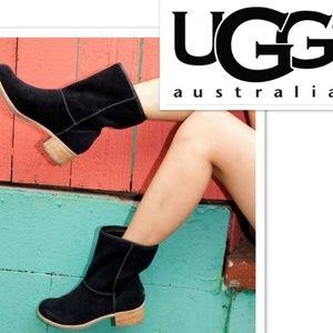 UGG Australia Cyrinda Black Suede Boots